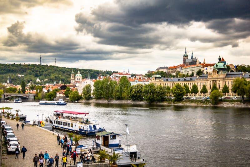 Distrito de Hradcany en Praga, Rep?blica Checa imagenes de archivo