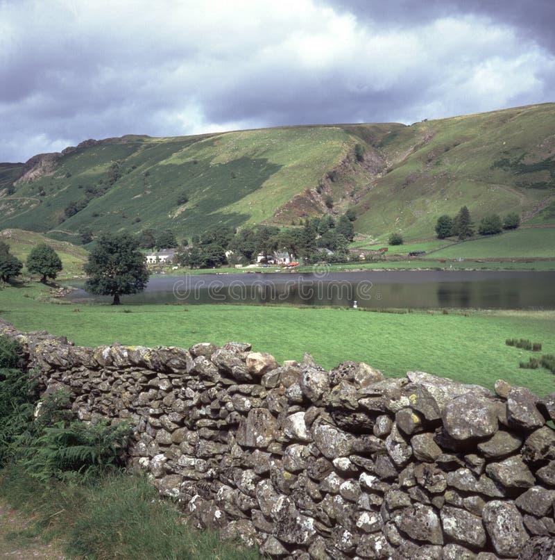 Distrito de Inglaterra, lago, Watendlath el Tarn fotografía de archivo