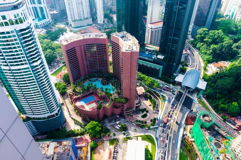 Distrito de Kuala Lumpur com arranha-céus dentro na cidade fotografia de stock royalty free