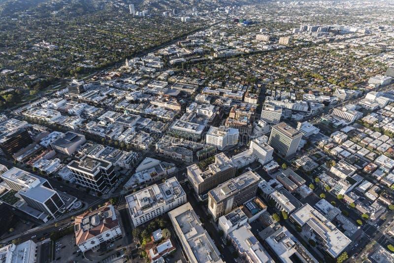 Distrito financeiro Aeri da movimentação de Beverly Hills Wilshire Bl e do rodeio imagens de stock
