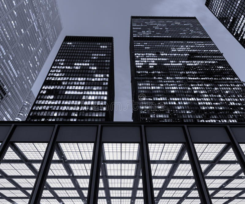 Distrito financiero de Toronto en la noche imagenes de archivo