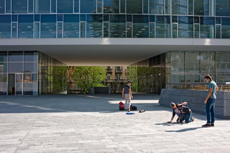 Distrito financiero, en Milán imágenes de archivo libres de regalías