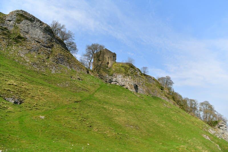 Distrito máximo Reino Unido, castillo histórico viejo de Peveril, subida imagen de archivo