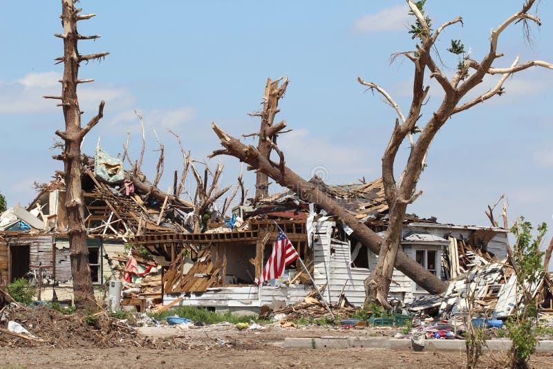 distroyed home stormtromb royaltyfri bild