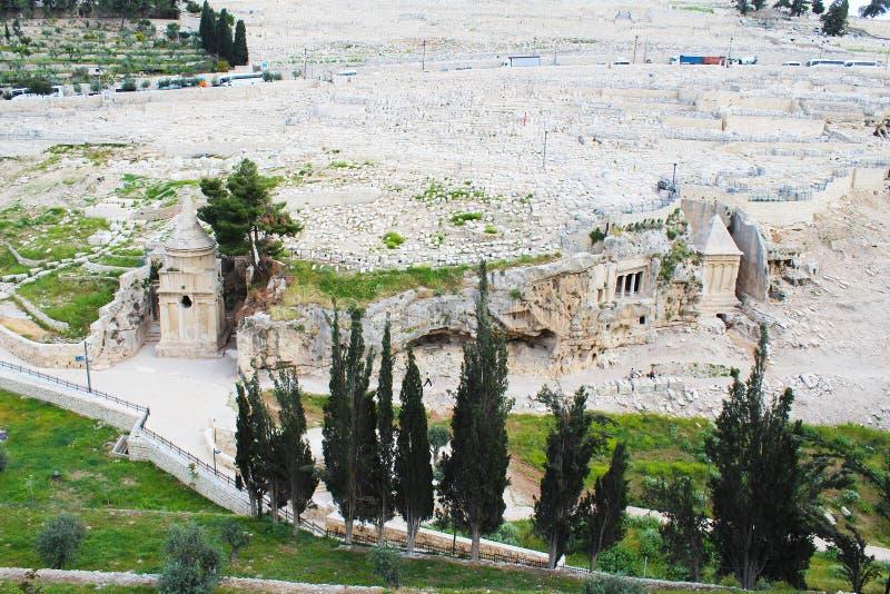 Dit overladen graf in de begraafplaats behoort tot Zachariah ben Jehoiada, de vader van John Doopsgezind, het Onderstel van Olijv royalty-vrije stock afbeeldingen