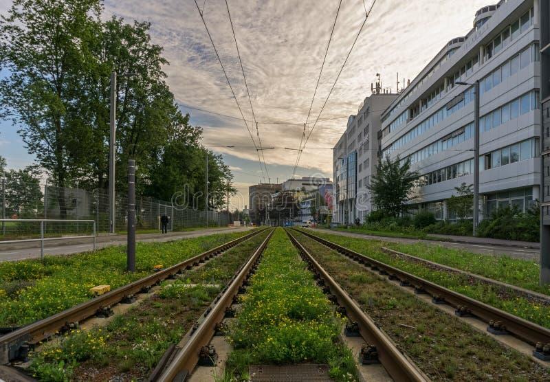 Dit zijn de sporen voor de trampost Laps-Kabel in Stuttgart-Vaihingen stock foto's