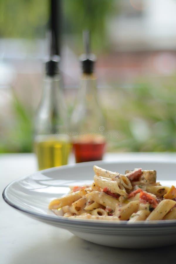 Dites arroser du bout des lèvres Penne Pasta semi hardi images stock