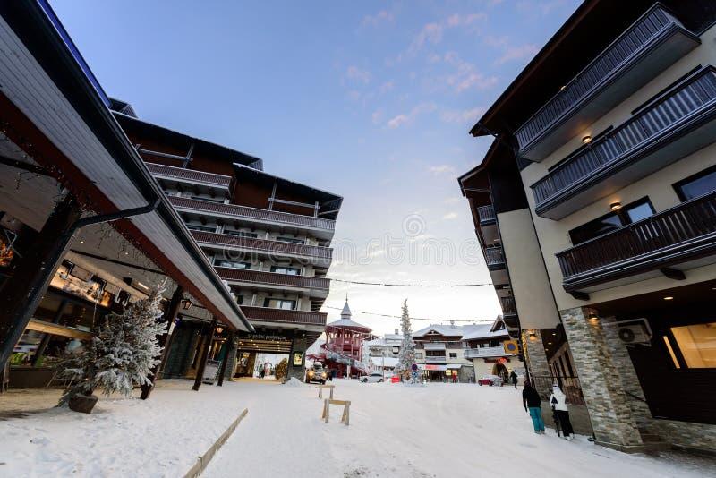 ?ditorial : Rukatunturi, Finlande, le 28 d?cembre 2018 Colline de sauter de ski de Rukatunturi au ski de Ruka dans la saison d'hi photos stock