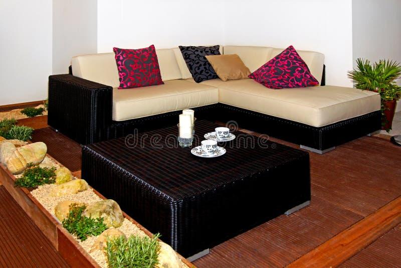 divano del terrazzo fotografia stock immagine di esotico