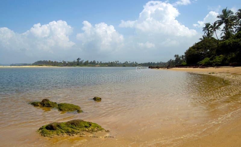 Diveagar strand, Maharashtra, Indien royaltyfri bild