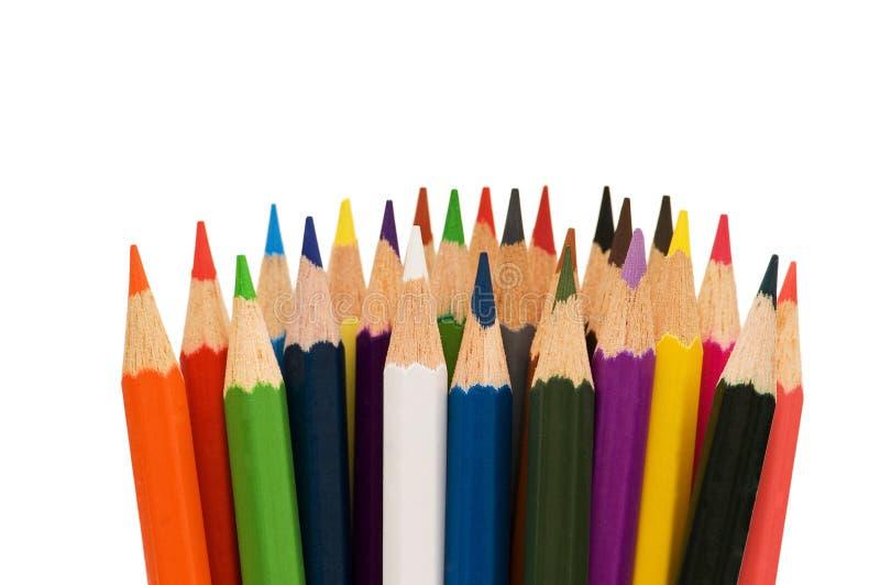 Divers crayons de couleur d'isolement photographie stock libre de droits