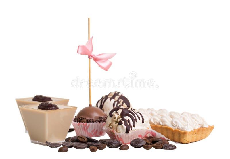 Divers desserts français délicieux image libre de droits