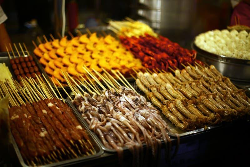 Divers exotisch voedsel voor verkoop royalty-vrije stock afbeelding
