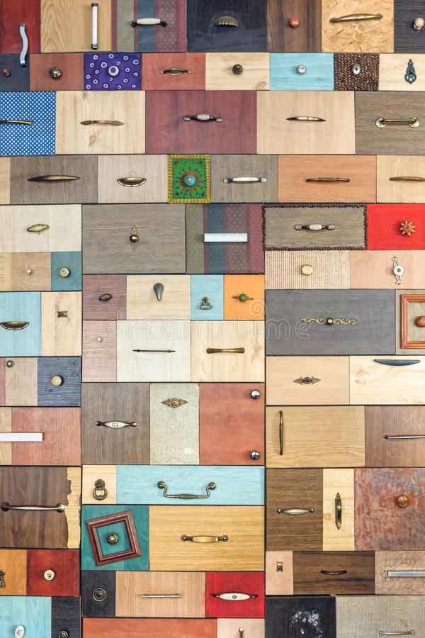 Divers petits tiroirs colorés photographie stock libre de droits