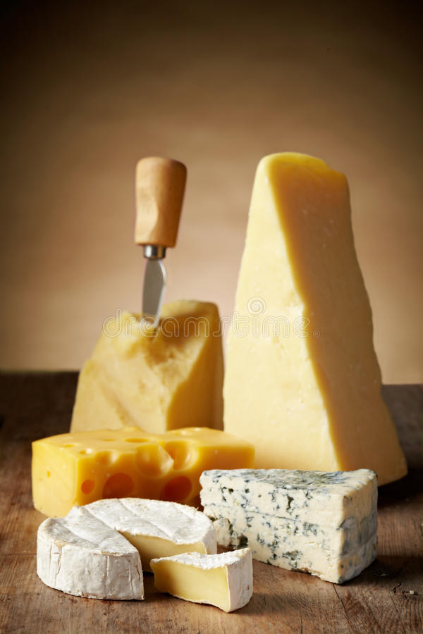 Divers types de fromage images libres de droits
