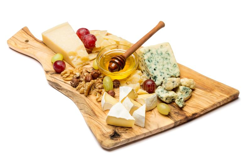 Divers types de fromage - brie, camembert, roquefort et cheddar photos stock