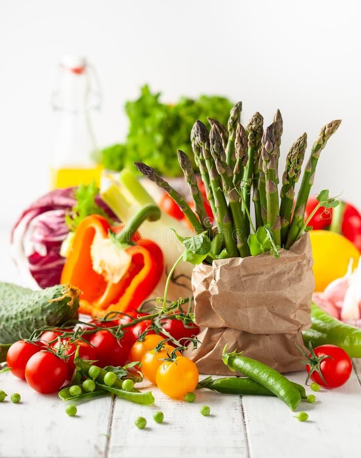 Divers types de légumes frais images libres de droits