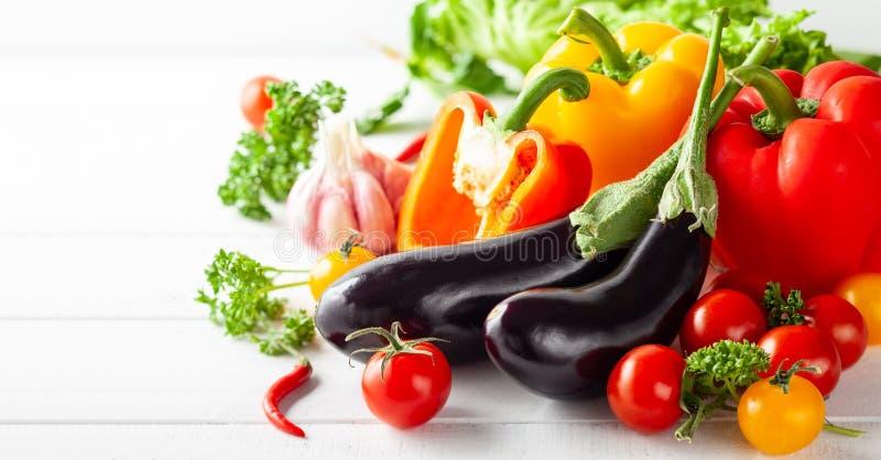 Divers types de légumes frais photos stock