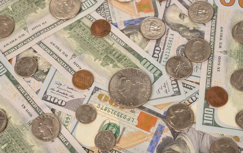 Divers van muntstukken en bankbiljetten royalty-vrije stock afbeelding