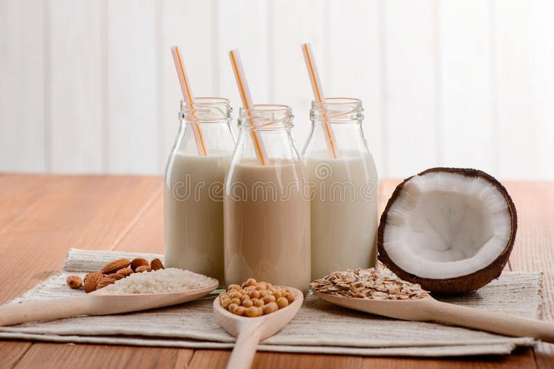 Diversa leche sin lactosa imagen de archivo libre de regalías