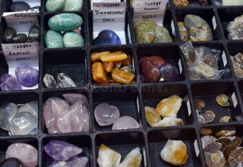 Diversas clases de piedras y de minerales imagen de archivo