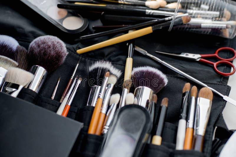 Diversas herramientas del maquillaje imagen de archivo