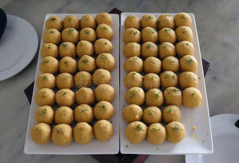 Diverse banketsnacks bereiden op gebeurtenispartij bij luxehotel Vier Punten voor door Sheraton Agra stock foto's