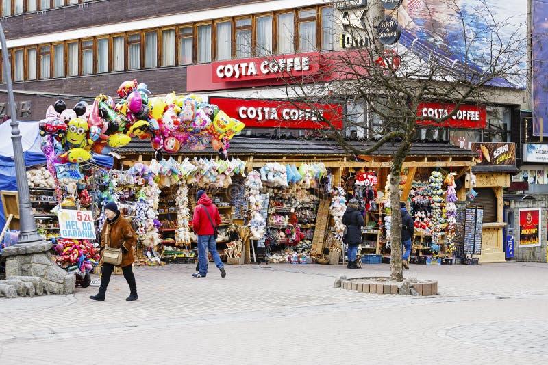 Diverse die herinneringen voor verkoop in Zakopane worden aangeboden stock afbeelding