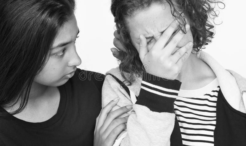 Diverse groep tienersspruit stock foto's