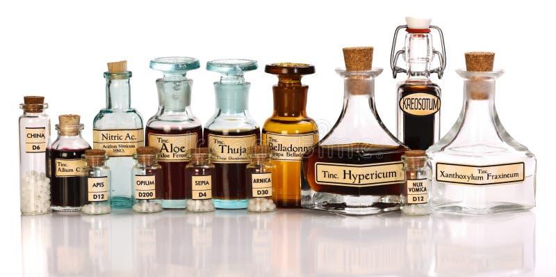 Diverse moedertinten van homeopathische geneeskunde stock foto's