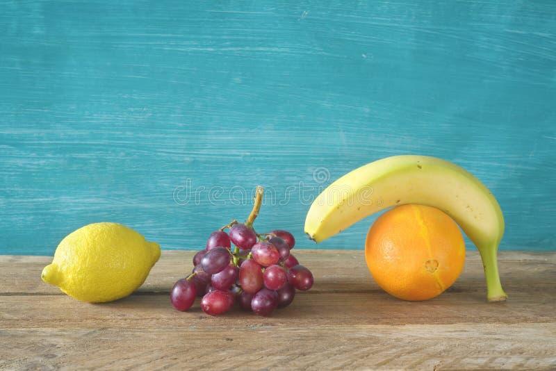 Diverse vruchten, gezond voedsel, het op dieet zijn concept royalty-vrije stock foto