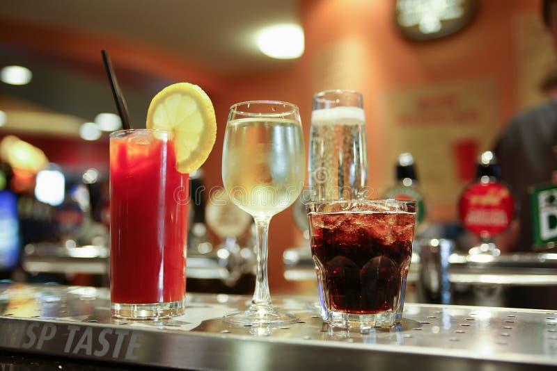 Diverses boissons alcoolisées photographie stock libre de droits