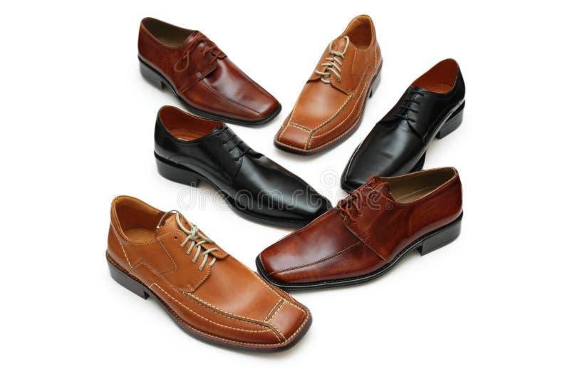 Diverses chaussures mâles d'isolement en fonction image libre de droits