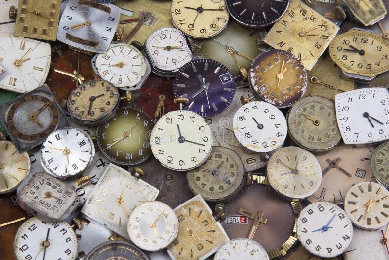 Diverses montres de poche antiques de charge images libres de droits