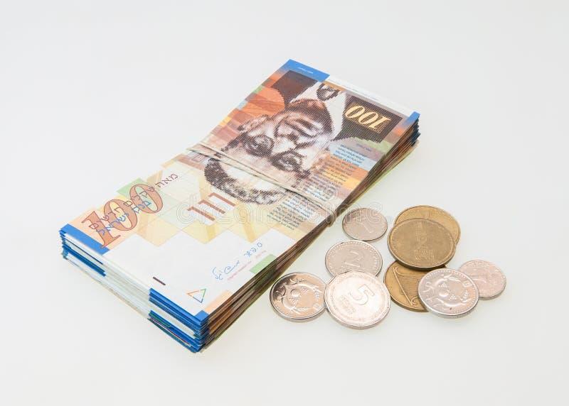 Diverses notes israéliennes de shekel avec la nouvelle note cinquante photo stock