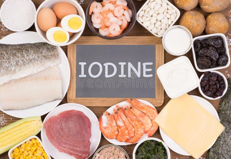 Diverses sources saines de nourriture d'iode photographie stock