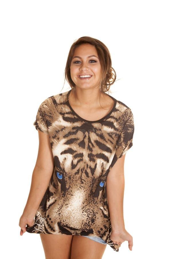 Diversión de la camisa de la cara del tigre de la mujer foto de archivo
