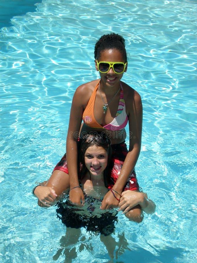 Diversión de la piscina imágenes de archivo libres de regalías