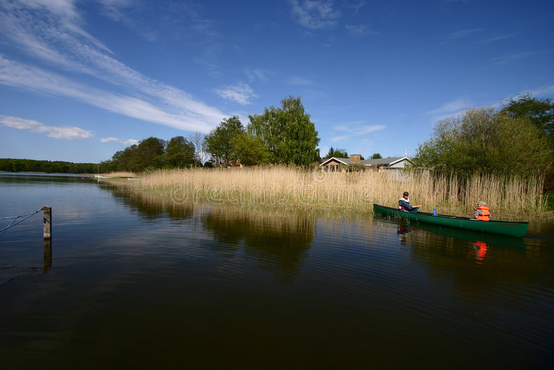 Download Diversión del lago imagen de archivo. Imagen de lagos - 1277267