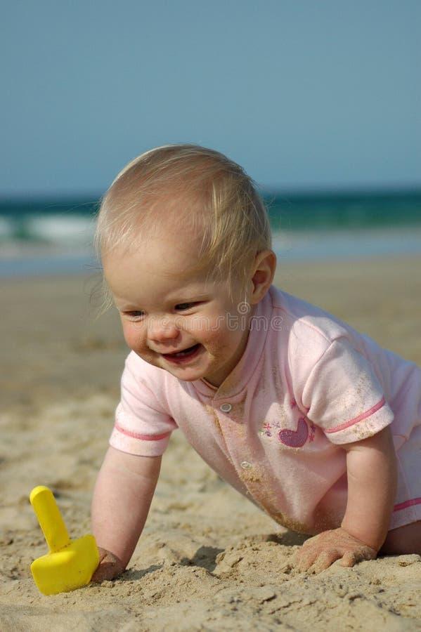 Diversión del verano del bebé imagenes de archivo