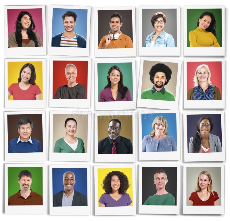 A diversidade dos povos enfrenta o conceito da comunidade do retrato do rosto humano imagem de stock royalty free