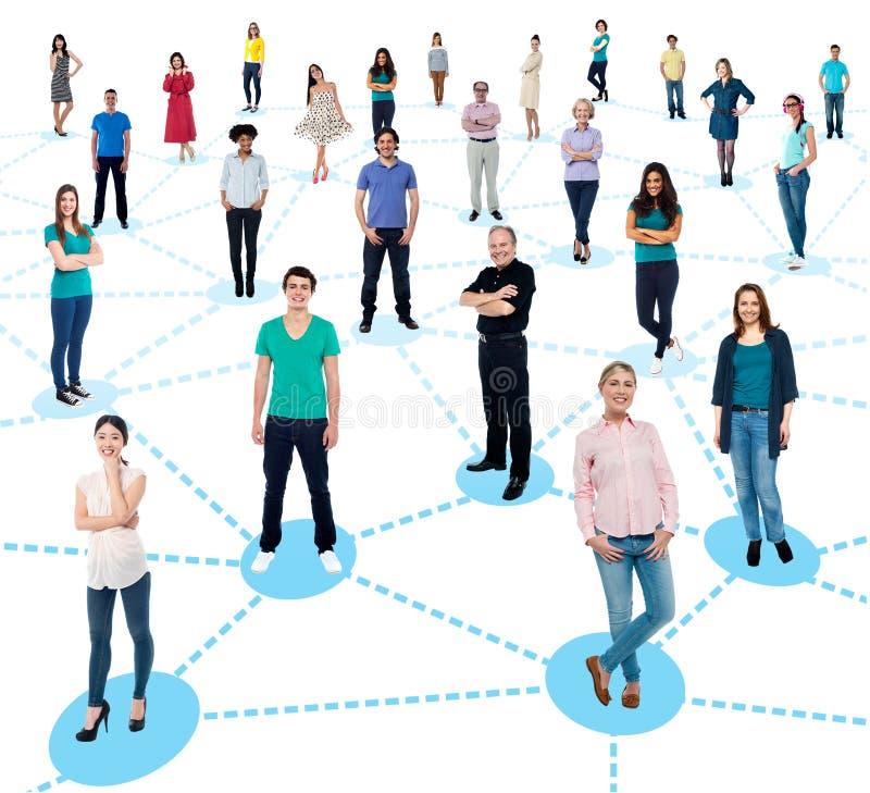 Diversifierat knyta kontakt för folk royaltyfri bild