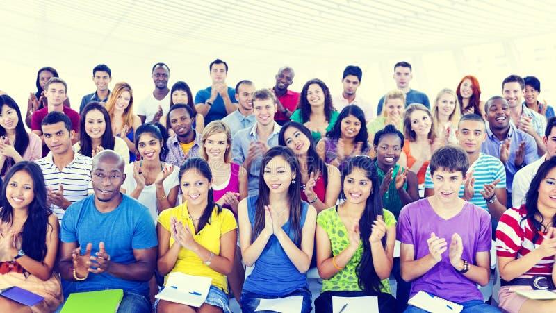 Diversiteit Toevallig Team Cheerful Community Concept stock afbeelding