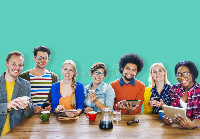 Diversiteit Toevallig Team Meeting Brainstorming Cheerful Concept stock foto
