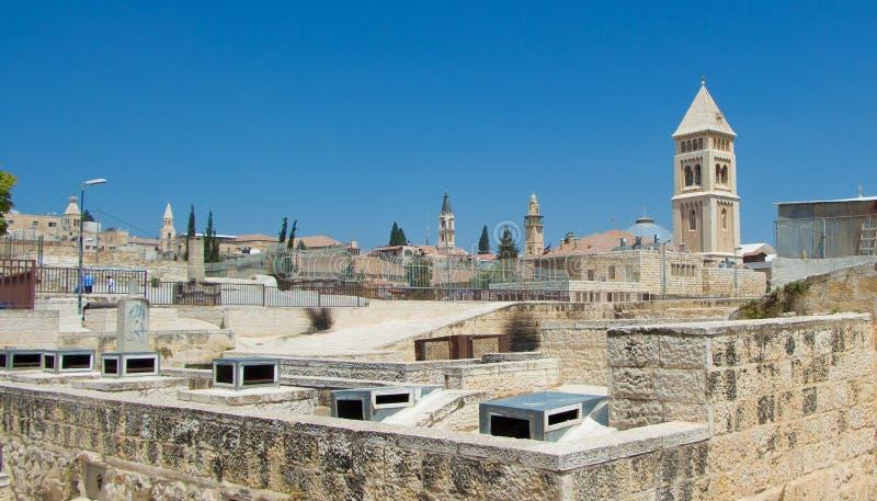 Diversiteit van architectuur in Jeruzalem stock afbeelding