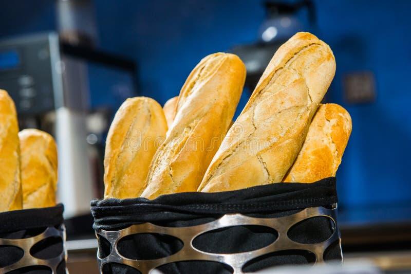 Download Diverso De Cesta Francesa Del Baguette Foto de archivo - Imagen de alimento, panadería: 42433746