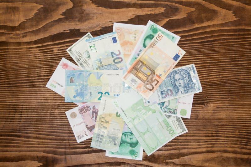 Diverso fondo de los billetes del mundo imagen de archivo libre de regalías