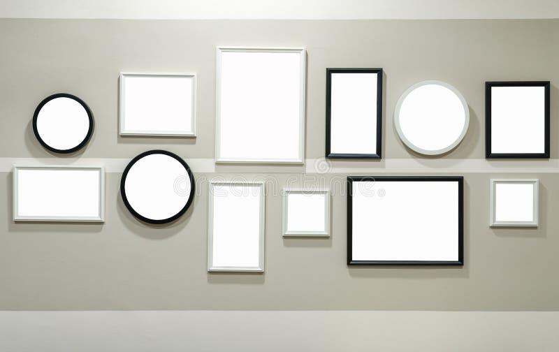 Diverso tamaño del bastidor blanco y negro de la foto foto de archivo