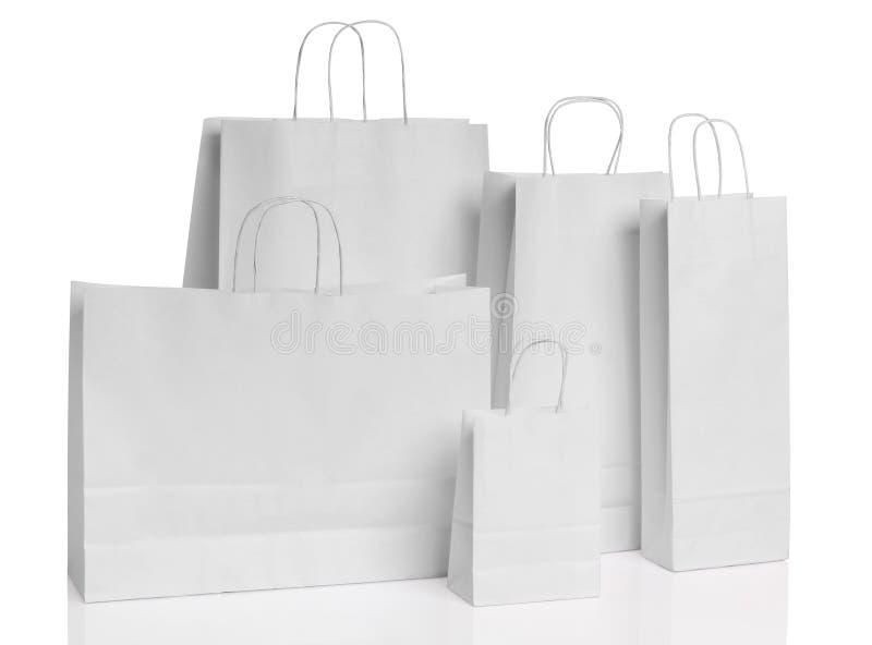 Diversos bolsos de compras de papel aislados imagenes de archivo