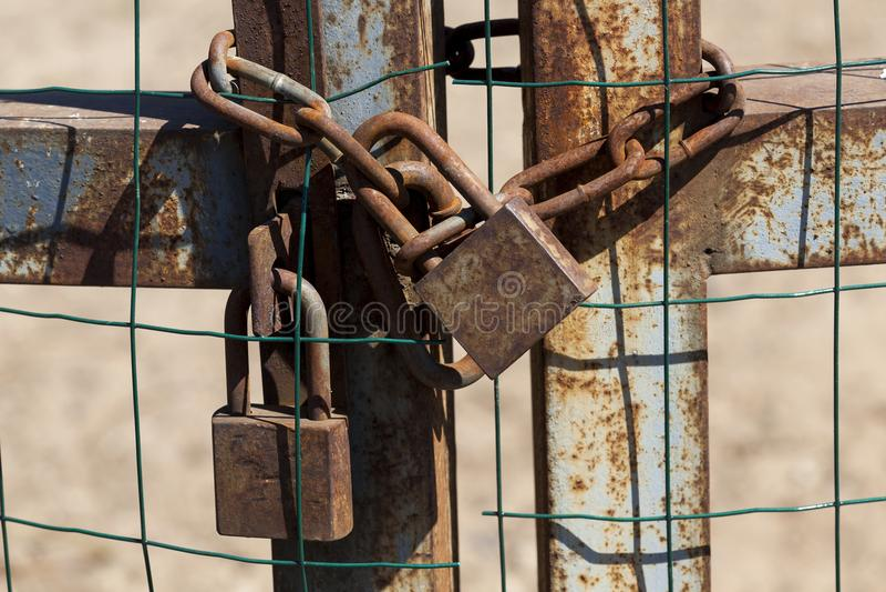 diversos metal fechamentos oxidados fotografia de stock